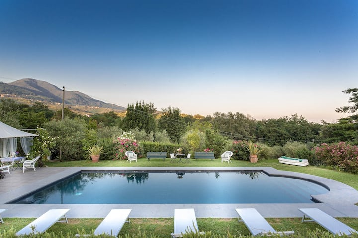 VILLA MARCELLA an Happy Retreat with Magnificent Pool in Marlia by Lucca