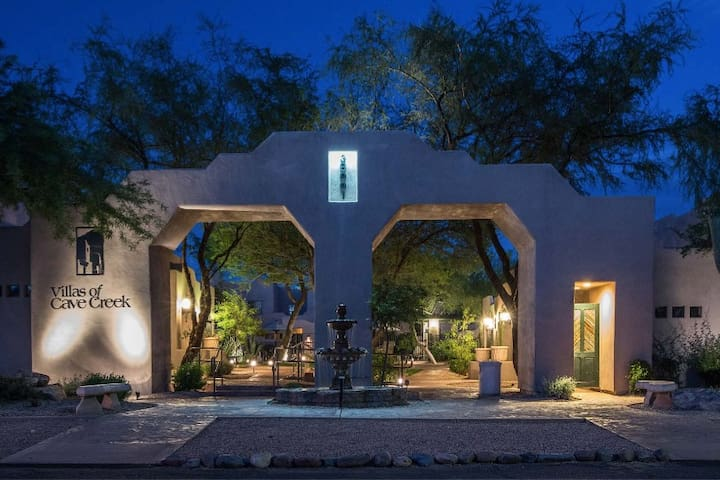 Beautiful Cave Creek Villa -Sonoran Style, Sleep 6