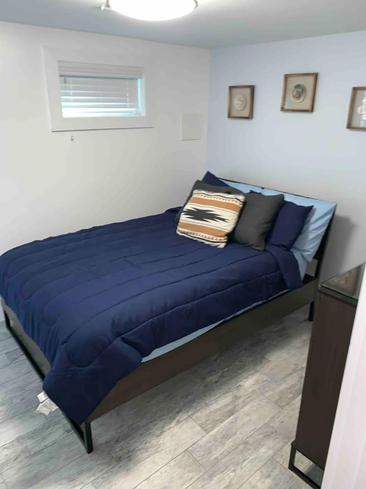 Modern Cozy Basement Unit Room in DC Free Parking