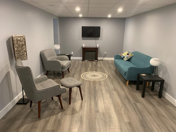 Professionals/longterm stays-newly renovated Mar20
