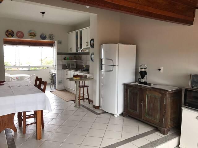 Apto 3 quartos no Santinho c/ Vista - Florianópolis - Byt