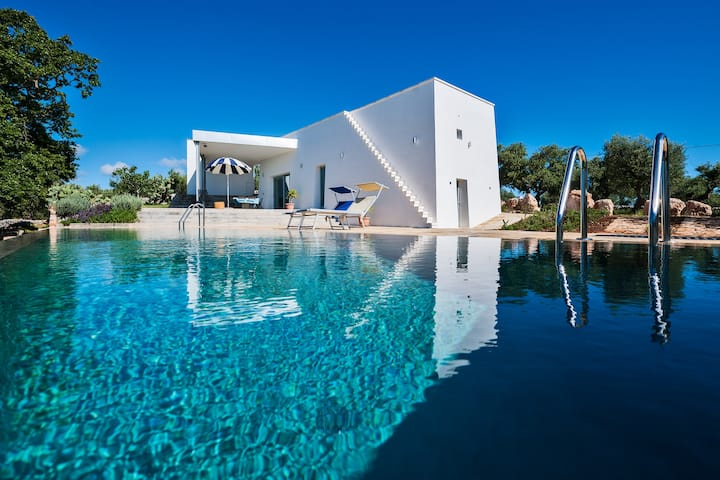 Design Villa Apulia with pool Cisternino