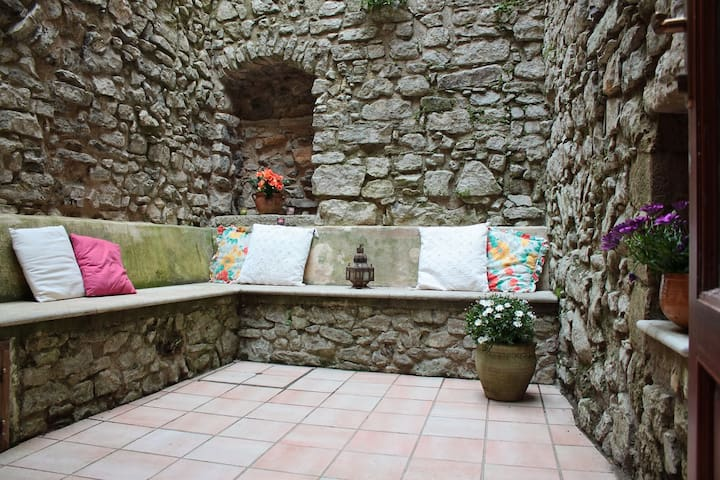 traditional house with patio  - Erice - Casa