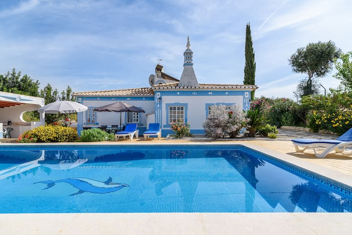 Villa V3 with 2 Pools and barbecue 6pax