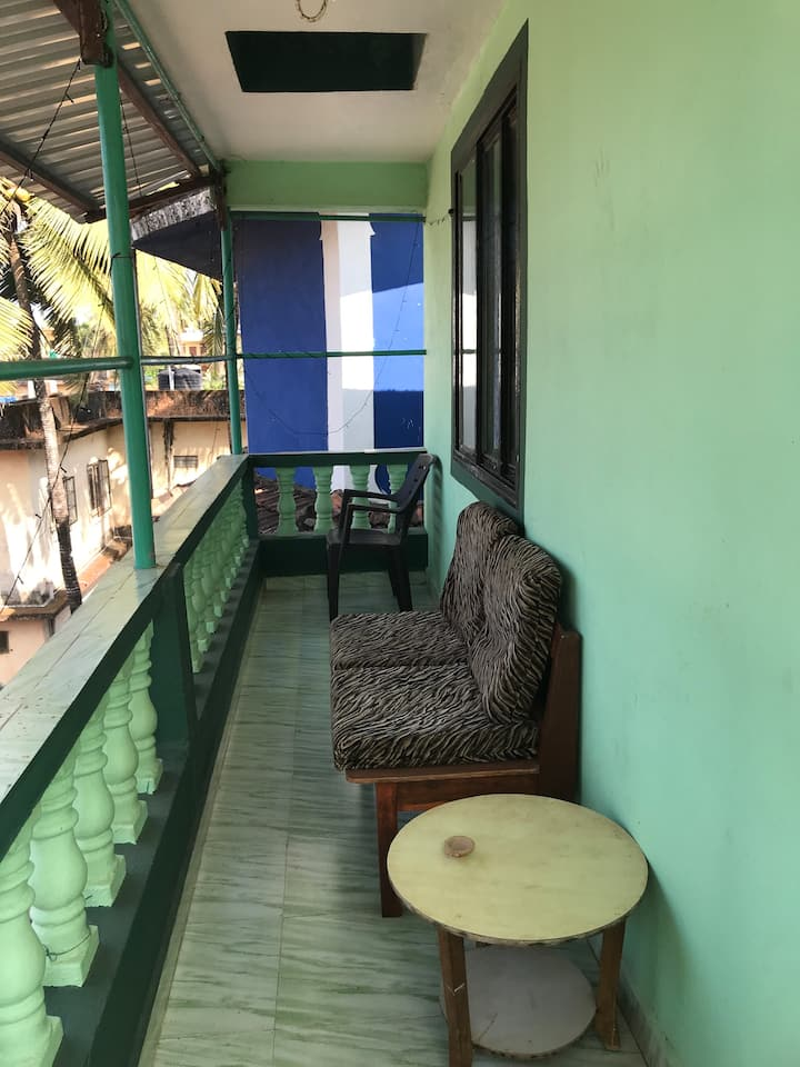 house of aslin for 2 guests near the beach