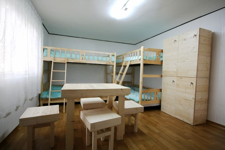 4-Bed Mixed Dormitory Room 3 - Yongin-si - Bed & Breakfast