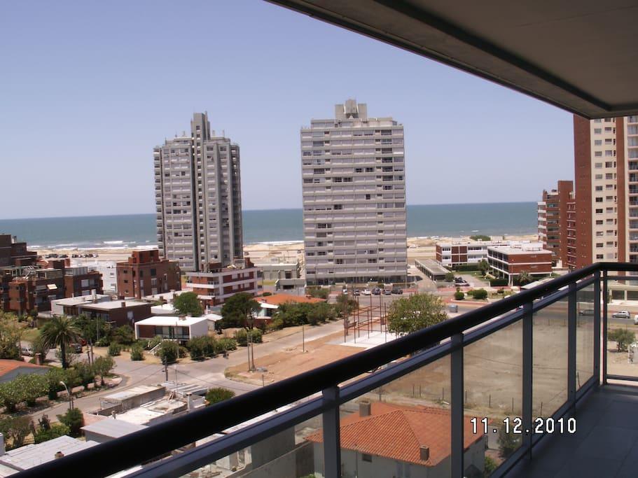 Vista desde el balcón terraza a la Brava