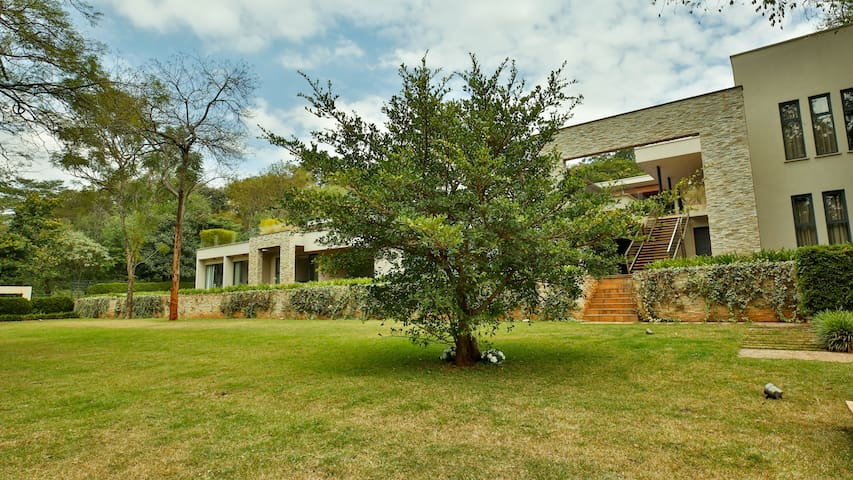 Nairobi, exclusive home with a leafy green view