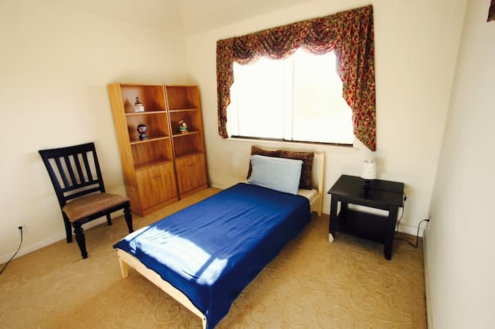 #222 Comfortable room for students/tourists !!