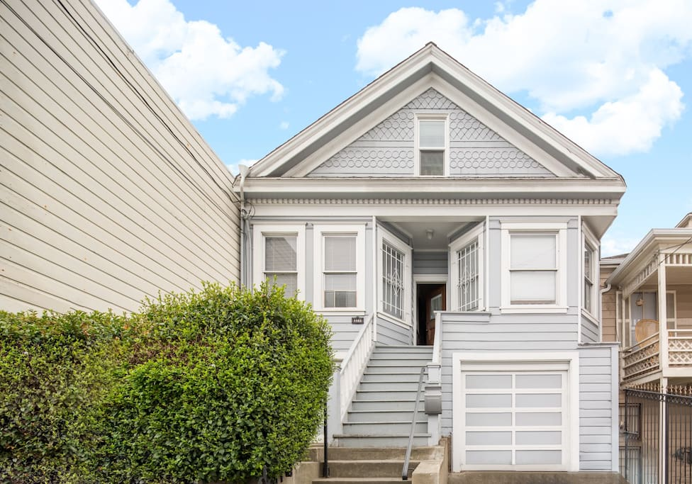 Large Bedroom In 3 Bedroom Home Blue Houses For Rent In San Francisco California United States