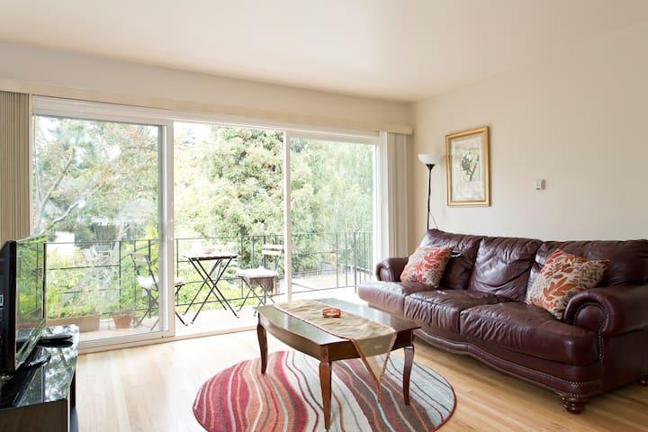 Beautiful 2 bedroom - Apt B
