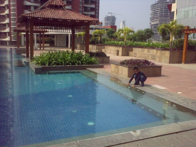 The clean, homely, central place. - Mumbai - Bed & Breakfast