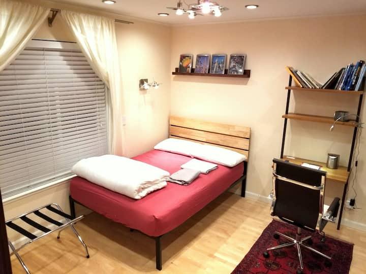 Room @ Golden Gate Bridge, Ocean Beaches & Parks.