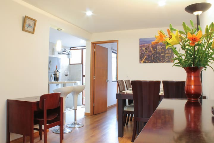 B&B in San Felipe-Modelia, of bedroom with parking - Bogotá - Szoba reggelivel
