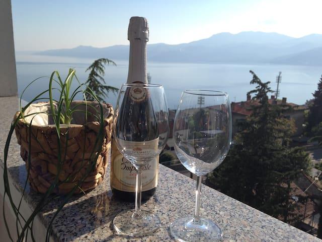 Apartment Ema with the beautiful sea view - Rijeka - Apartment