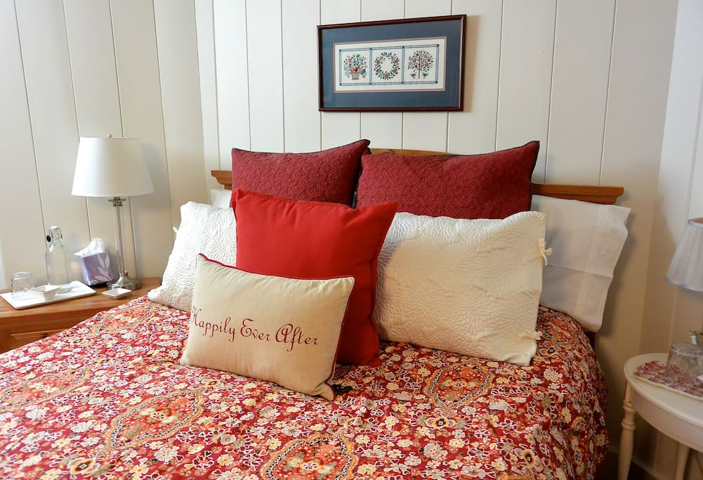 "You'll always have a comfortable pillow or two.  ""The apartment was beautiful, comfortable, attractive, very clean -spotless! The bed was very comfortable and the ironed linens felt brand new."" Carolyn****"