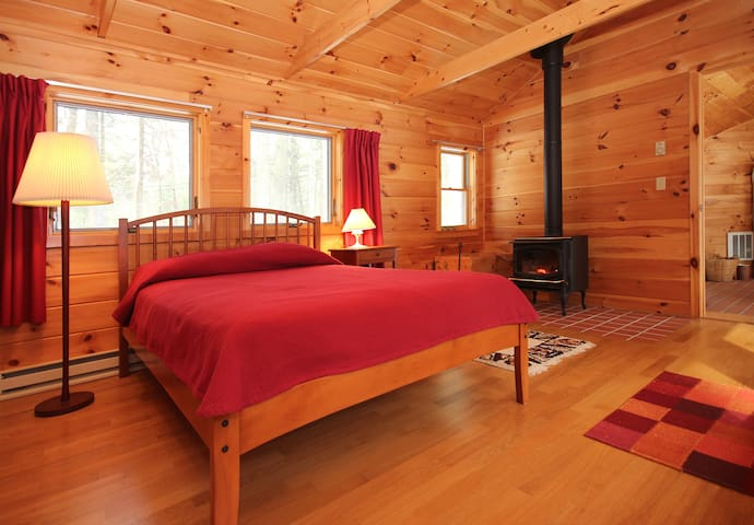 New Cabin in the Woods near river - Sudbury - Casa