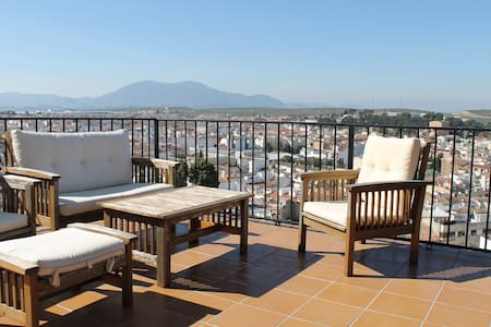 Town house with a spectacular view. - Martos