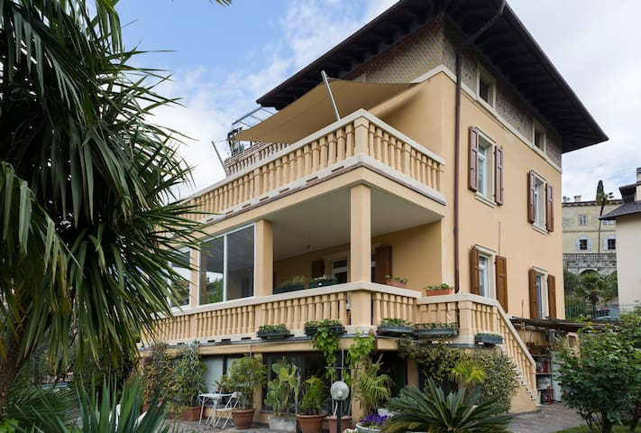 Garda Lake, wide terrace and sun - Riva del Garda - Apartment