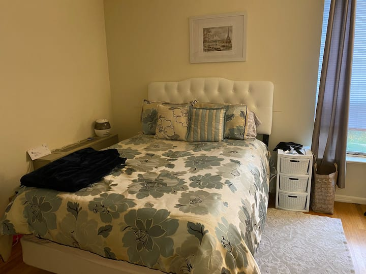 Spacious Main Line Apartment close to Philadelphia