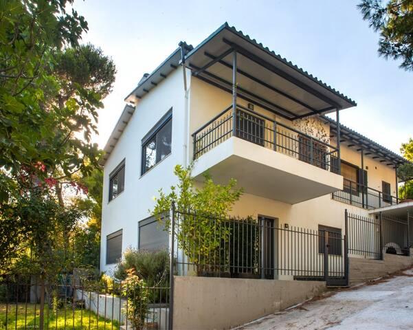 Prestigious maisonette near Athens - Nea Makri - Dům