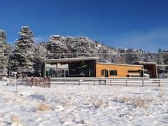 Modern+Rocky+Mountain+Cabin+-+DUTCH+Hospitality