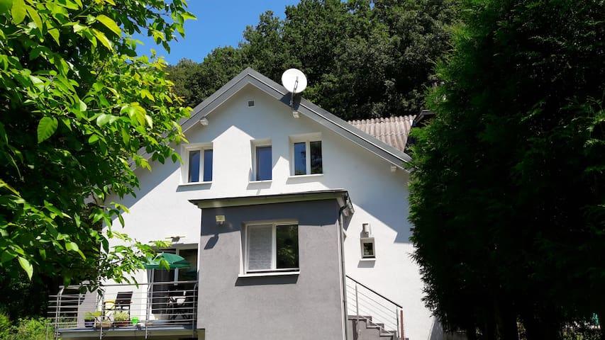 Ruhe und Erholung in Großstadtnähe - Pressbaum - Rumah