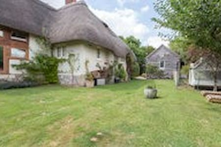 The Garden Cottage - Upper Woodford - Bed & Breakfast