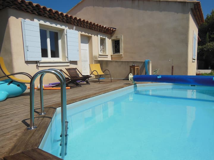 Independant 25m2 studio pool garden