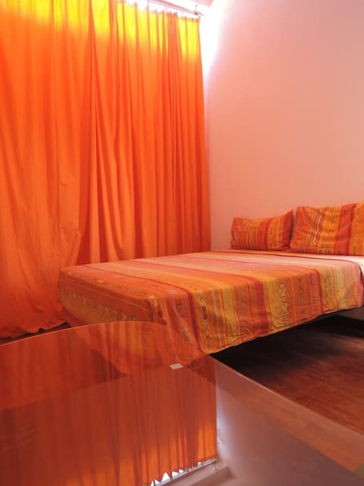 orange room ' king size