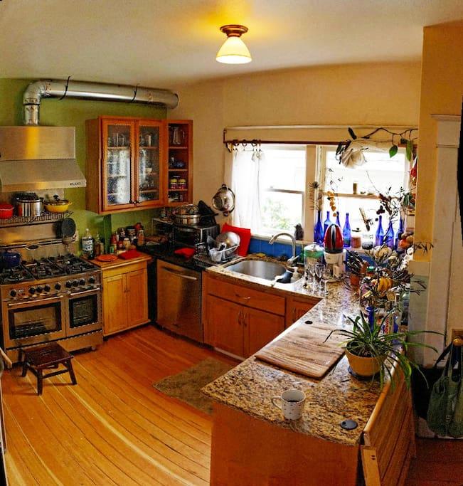 Kitchen, cook friendly...