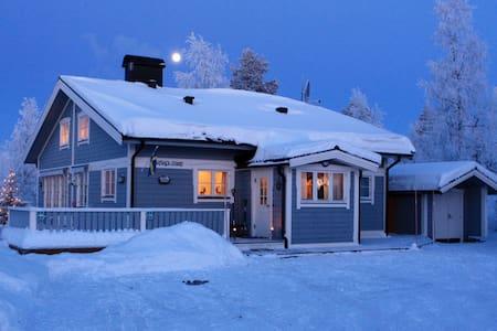 Romantic Wintercottage in Kläppen