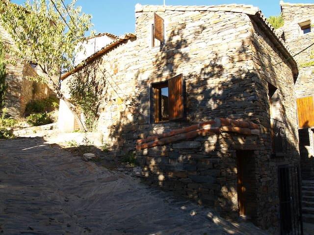 El Refugio de Patones - Patones - Haus