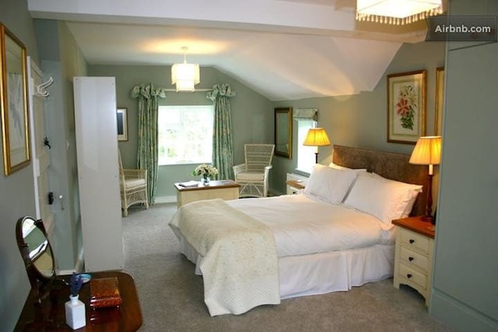 Bramley luxurious B&B in Rutland - Bisbrooke - 家庭式旅館