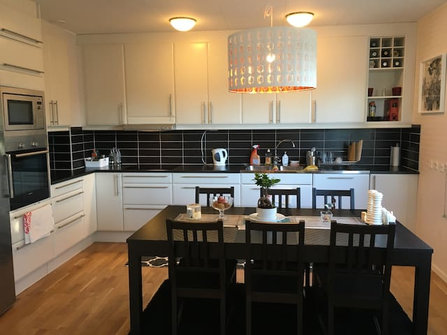 Charming & modern Apt. near Center - Karlstad