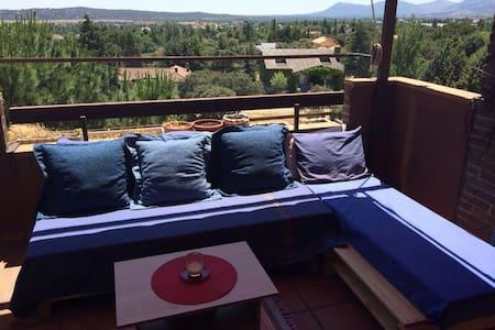 Ático con terraza y vistas  - Pis
