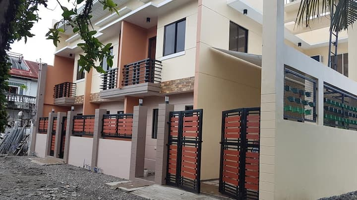 Affordable 2-bedroom Apartment near Primark UNIT 1
