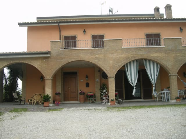 san martino b&b - Castignano - Bed & Breakfast