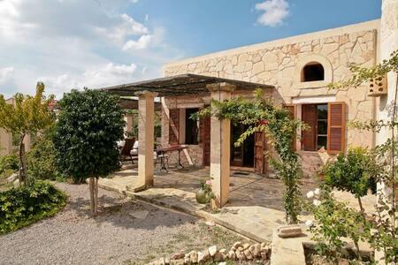 Peaceful Country Cottage - PorreresPalma de Mallorca