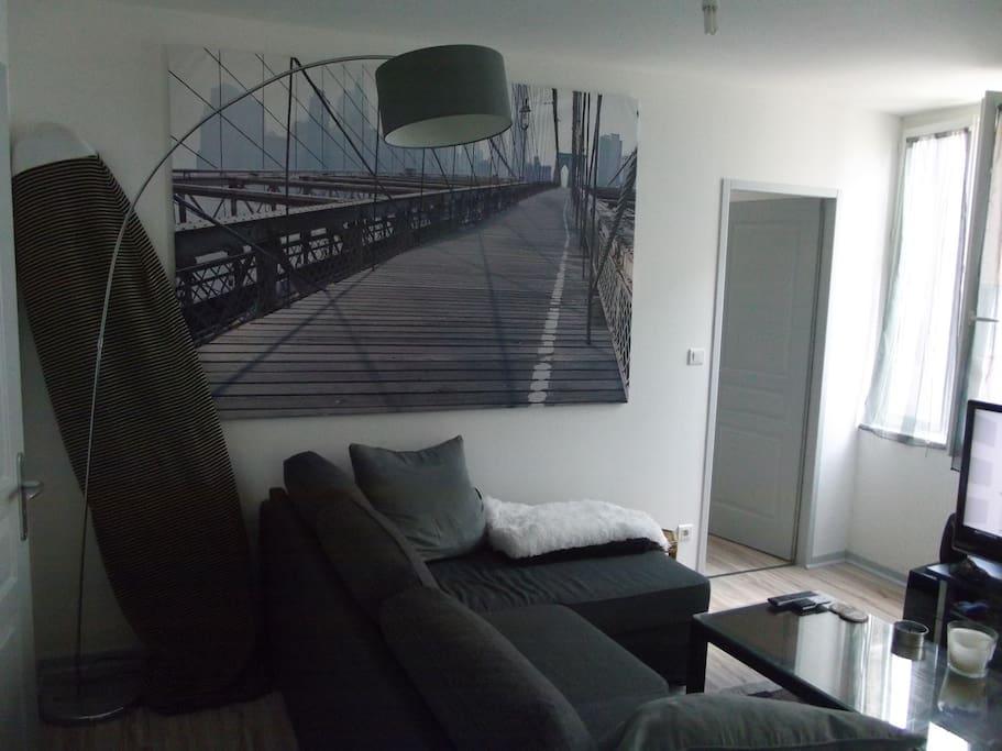 Modern apartment quai chartrons appartements louer for Location appartement bordeaux chartrons