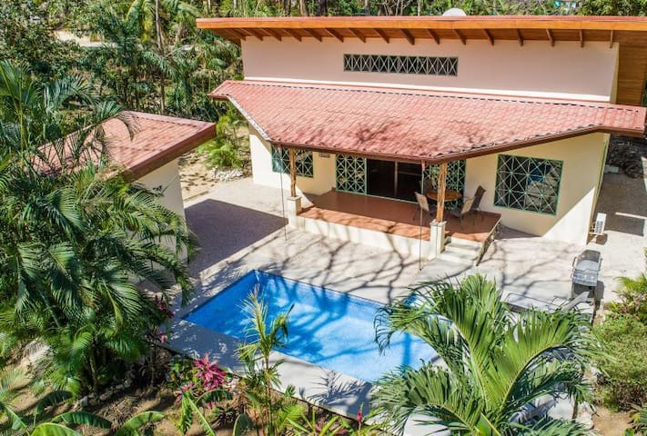 Beautiful private house w pool-walk 2 playa Pelada