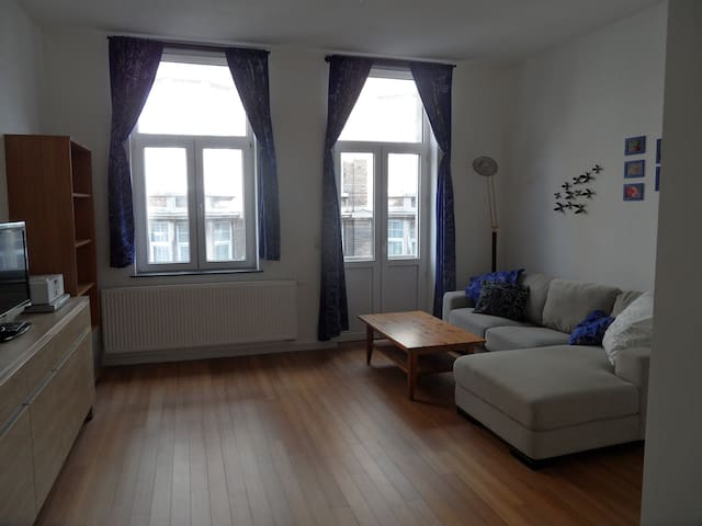 TOUR & TAXIS 1 + FREE PARKING - Molenbeek-Saint-Jean - Wohnung