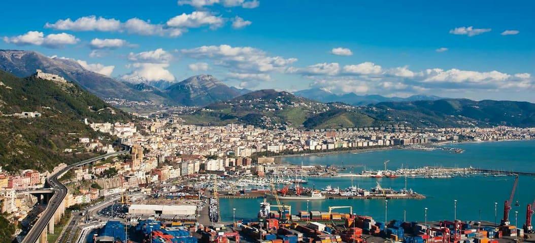 Vacanze in villetta nella splendida  Salerno - ซาเลอร์โน - วิลล่า