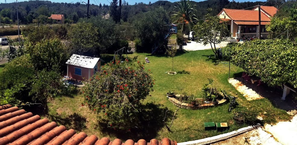 Lovely rooms in picturesque village - Perivoli, Corfu - House