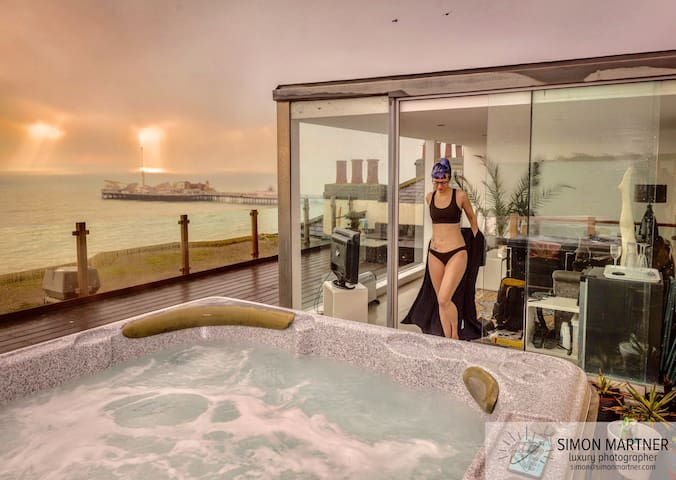 Frontline Seaview Penthouse+HOT TUB - Брайтон - Квартира