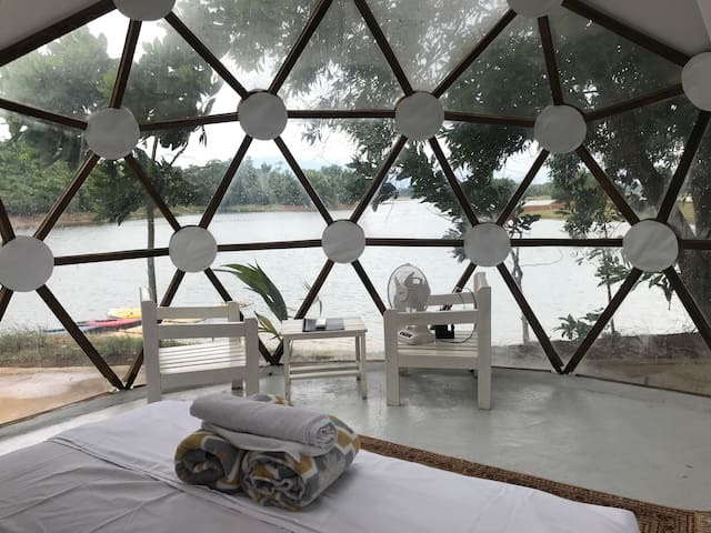 Glamping Etc ! Dome Mufli King  Lumot Lake Cavinti