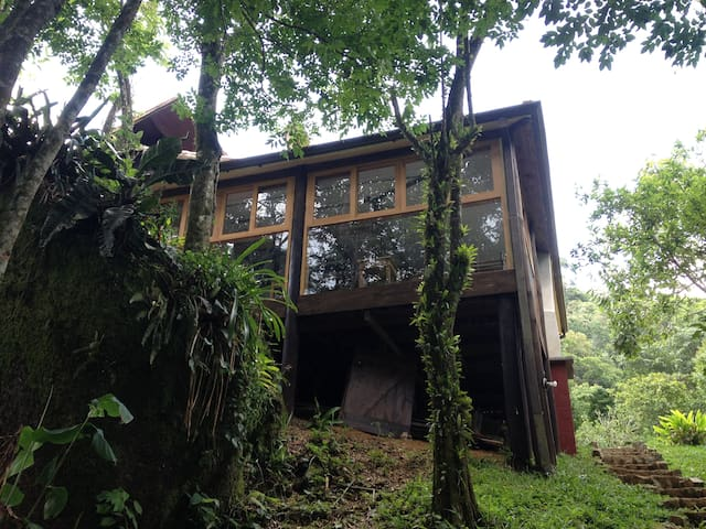 Casa charmosa em S Francisco Xavier - Monteiro Lobato - House