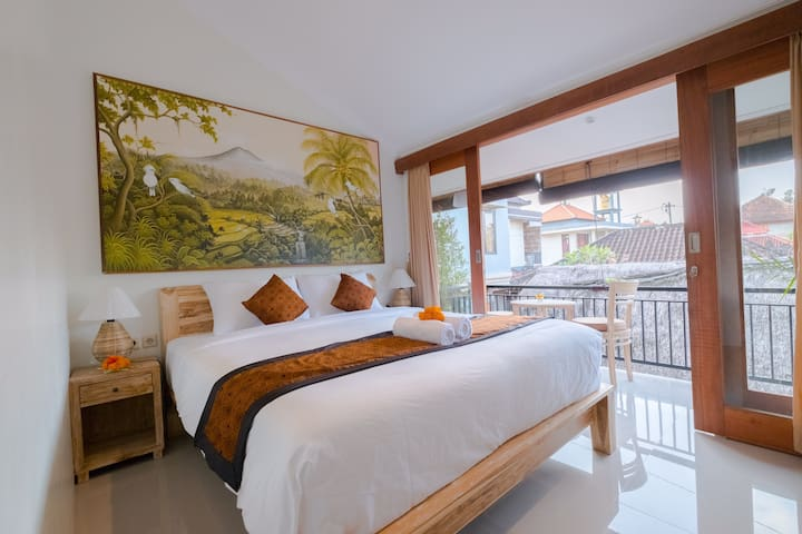 "Central of ubud ! "" Nikuna homestay #1"