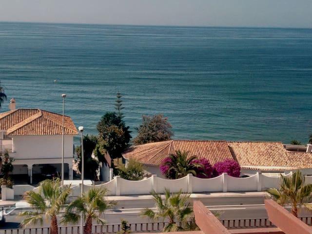 Ático frente a la playa en Mijas Costa