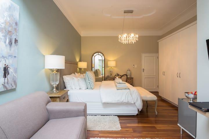 Island Way Villa - Family King Room